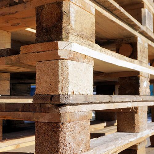 Behandeltes Holz