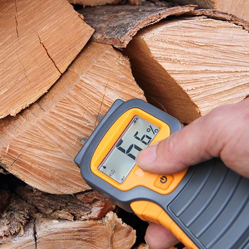 wasseranteil im Brennholz messen