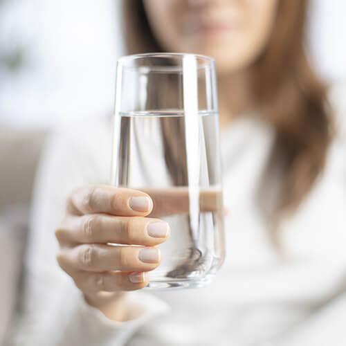 Abgestandenes Wasser als Dünger
